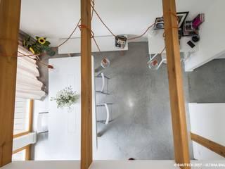 Ruang Keluarga by Bautech Sp. Z O.O.