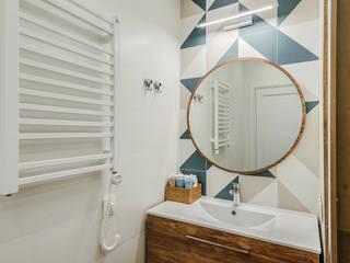 Scandinavian style bathroom by Alina Lyutaya Scandinavian