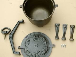 kociołek żeliwny : styl , w kategorii  zaprojektowany przez Family Garden Grzegorz Tarnowski