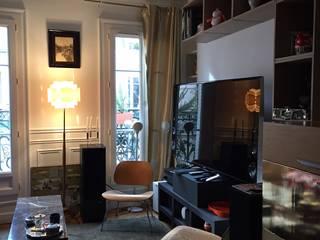 Aménagement du séjour: Salon de style de style Moderne par Madame Prune
