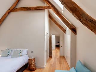 West Yard Farm Modern style bedroom by van Ellen + Sheryn Modern