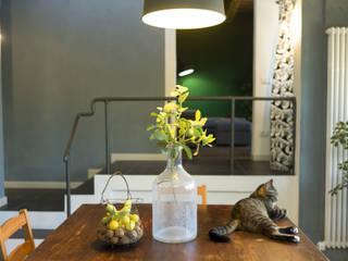 Arredi rustici ed elementi Industrial.: Cucina in stile  di Rifò