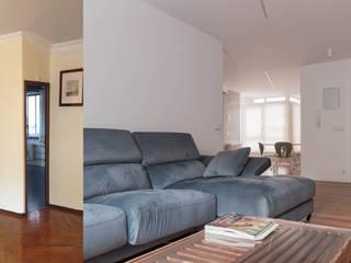 Antes_Después Salón Office: Salones de estilo  de MAGA - Diseño de Interiores
