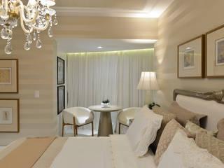 Suite master: Quartos  por Dois A Arquitetura e Interiores LTDA