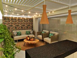 Balcones y terrazas modernos: Ideas, imágenes y decoración de Luis Escobar Interiorismo Moderno