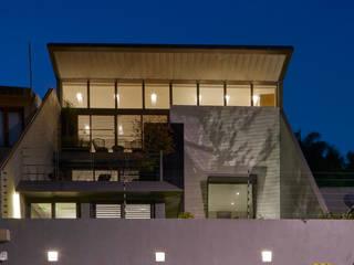 CASA CALAVERA: Casas de estilo moderno por HDA: ARQUITECTURA BIOCLIMATICA