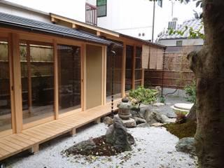 翔縁居: 一級建築士事務所 (有)BOFアーキテクツが手掛けた庭です。