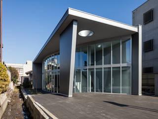 山形県税理士会/Along the canal の 空間芸術研究所/vectorfield architects モダン