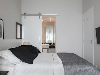 Classic style bedroom by Studio Ideação Classic