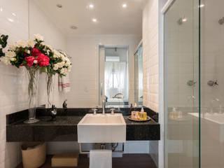 Estímulo Urbano Banheiros clássicos por Studio Ideação Clássico