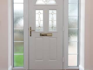 Pintu oleh The Market Design & Build, Modern