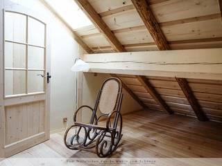 Dormitorios de estilo rural de Thisalo GmbH Rural