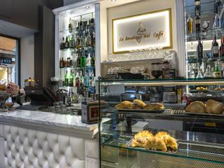 Bar & Klub  oleh Arch. Della Santa Giorgio, Klasik
