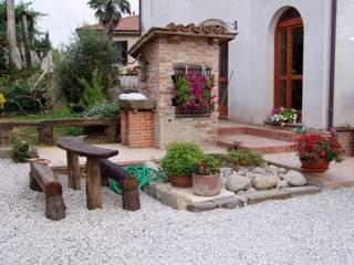 Country style garden by Arch. Della Santa Giorgio Country