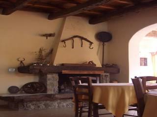 Ruang Keluarga oleh Arch. Della Santa Giorgio, Country