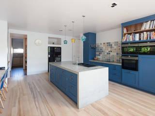 Cocina de estilo  por Ben Sutton (Timber) Ltd,
