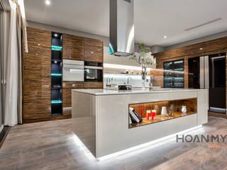 Biệt thự Gamuda Nhà bếp phong cách hiện đại bởi Thương hiệu Nội Thất Hoàn Mỹ Hiện đại