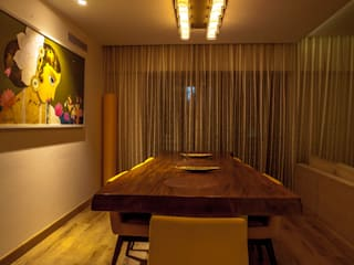 Lissy Modern dining room by Design Dna Modern