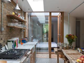 Cocinas de estilo  por Martins Camisuli Architects, Ecléctico