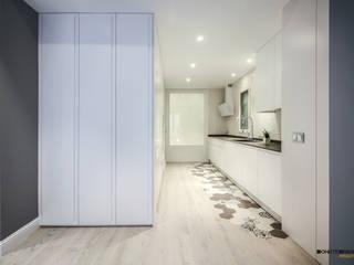 Cucina minimalista di DonateCaballero Arquitectos Minimalista