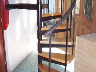 Escalera caracol MONTREAL HELIKA Scale Escaleras Madera Multicolor