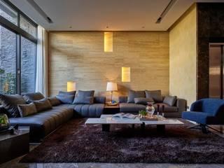 寶贏天地厚愛實品屋 现代客厅設計點子、靈感 & 圖片 根據 澤序空間設計有限公司 現代風