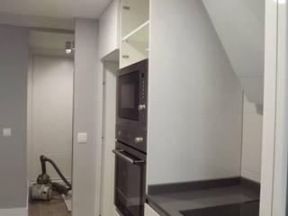 Reformas integrales en Madrid: Cocinas de estilo  de Almudena Madrid Interiorismo, diseño y decoración de interiores, Escandinavo