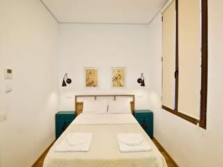 Hostal The Bridge (Huertas) - Proyecto de Interiorismo en hostelería:  de estilo  de Dekohuset