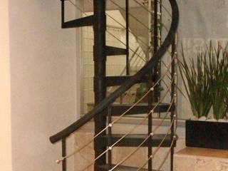 Escalera caracol MADRID de HELIKA Scale Moderno