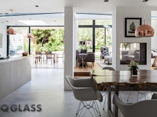 Priory Park Modern kitchen by IQ Glass UK Modern