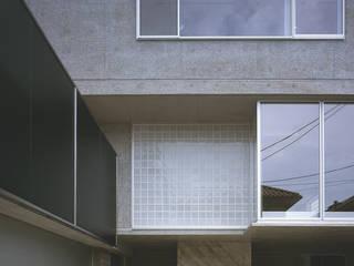 HIROO FLAT 2011グッドデザイン賞受賞: Jun Watanabe & Associatesが手掛けた家です。