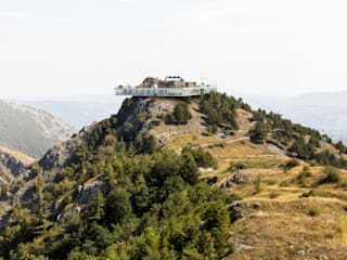CASTLE RESORT/ young architects competitions van IRIX Minimalistisch