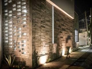 Corregidora, Qro.: Casas de estilo  por BIN arquitectura