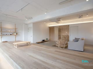 디자이너의 집 미니멀 라이프 – 상가주택 인테리어: 디자인투플라이의  거실