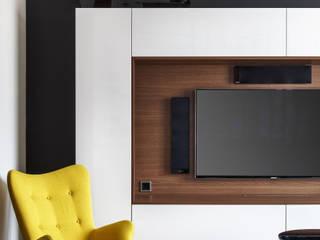 Дизайн интерьера квартиры: гостиная с ТВ в нише: Гостиная в . Автор – Студия Инстильер | Studio Instilier