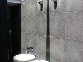 PE. Projectos de Engenharia, LDa Modern bathroom
