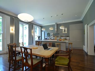 Private residence, London:  Kitchen by Claire Spellman Lighting Design, Classic