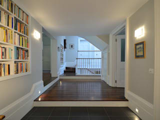 Private residence, London:  Corridor & hallway by Claire Spellman Lighting Design, Classic