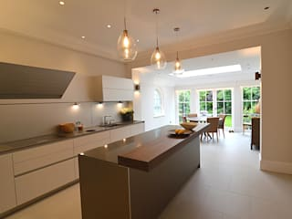 Private residence, Wimbledon:  Kitchen by Claire Spellman Lighting Design, Modern
