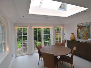 Private residence, Wimbledon Dapur Modern Oleh Claire Spellman Lighting Design Modern
