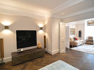 Private residence, Wimbledon:  Living room by Claire Spellman Lighting Design, Modern