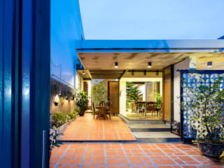 Asian style garden by AD+ Asian