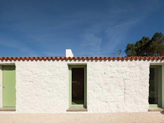 Casa Chanca: Paredes  por Manuel Tojal Architects