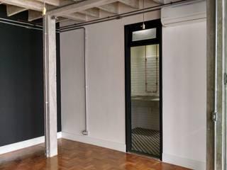 Reforma de apartamento no Edifício Copan por Rehabitat Construção e Reforma Inteligente Industrial