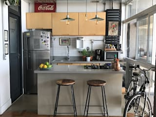 Reforma de apartamento no Edifício Copan Cozinhas industriais por Rehabitat Construção e Reforma Inteligente Industrial