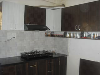 2BHK @Ananth nagar :  Kitchen units by FOGLINE INTERIORS