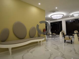 Recepção RM Hotel - Design By Victor Bertier Design: Hotéis  por Victor Bertier Design