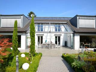 Modern style balcony, porch & terrace by Solarlux GmbH Modern