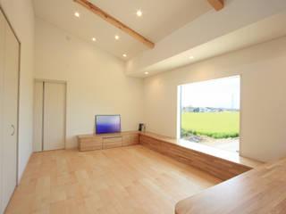 きれいな風景を取り込む北側リビングの家 モダンデザインの リビング の 株式会社JA建設エナジー モダン