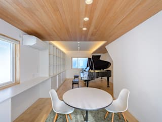 HouseK2: 一級建築士事務所 ima建築設計室が手掛けた書斎です。,